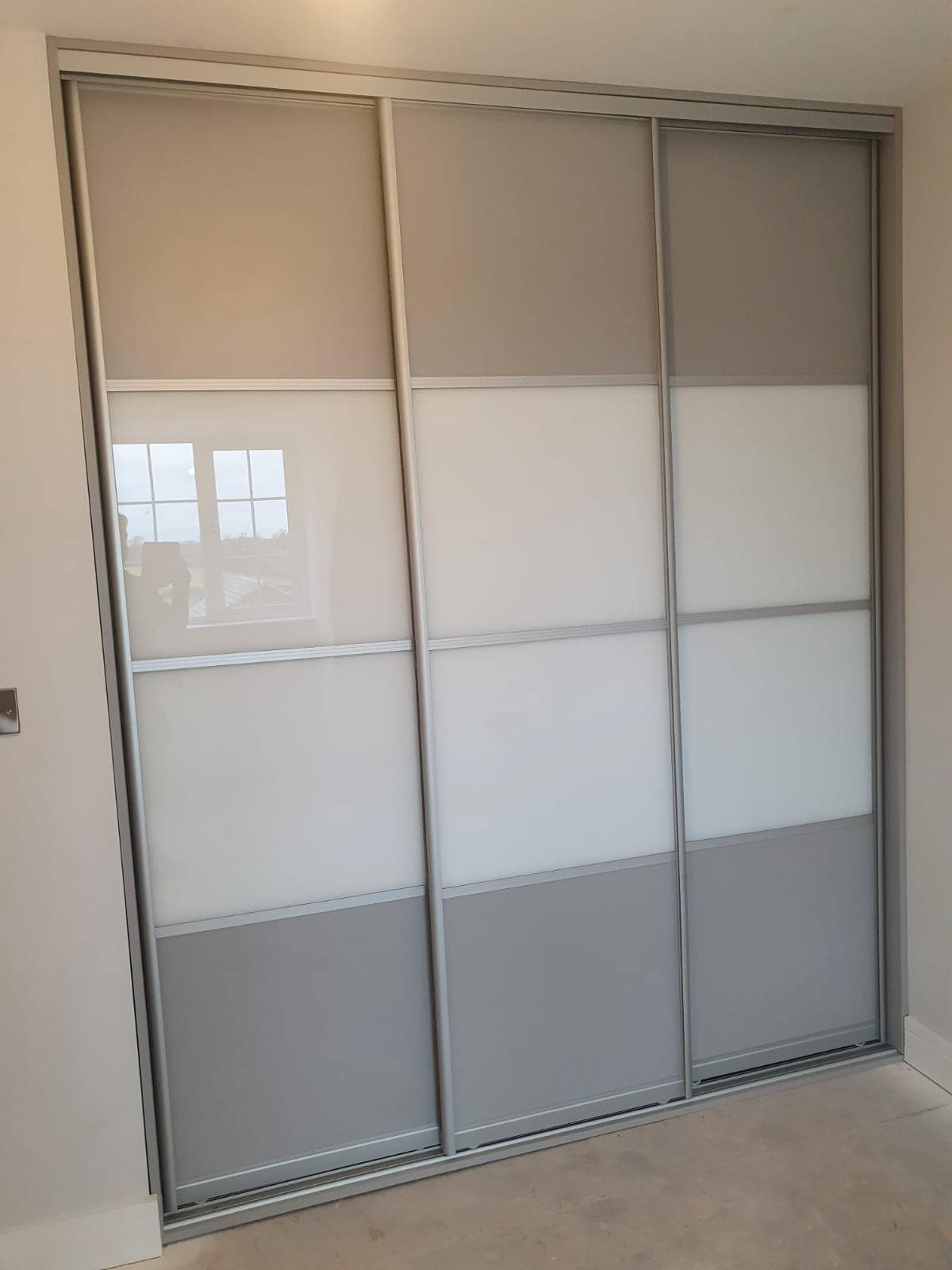 grey built in wardrobe