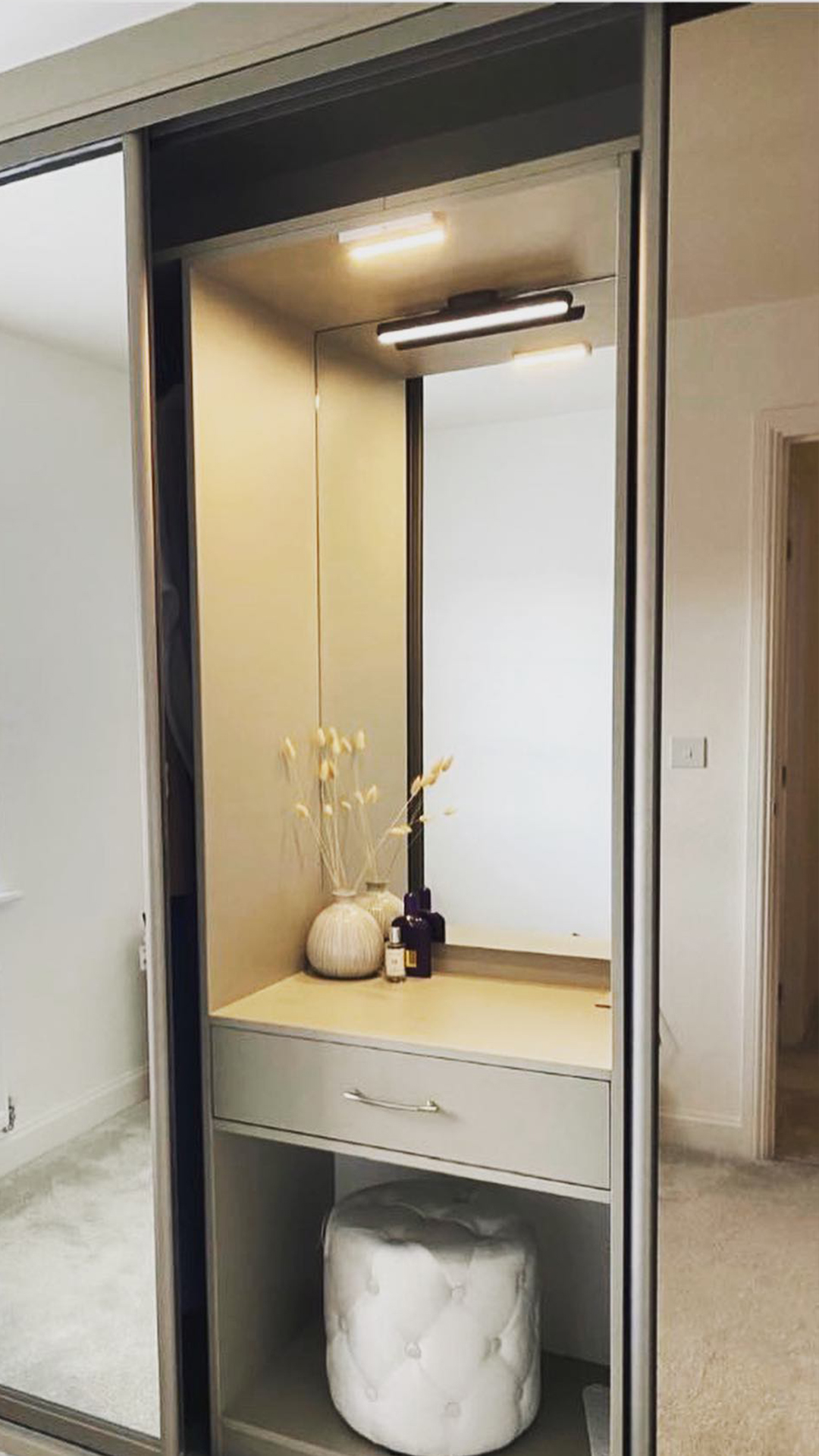 mirrored wardrobe dressing table
